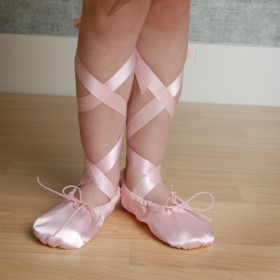 pink-ballet-shoes